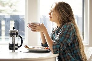 مضرات نوشیدن قهوه با معده خالی!