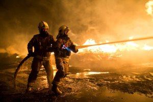 امروز یک کارگاه تولید مبل در آتش سوخت