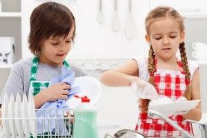 فرزند مسئولیت پذیر می خواهید؟ این 6 گام به شما کمک می کند