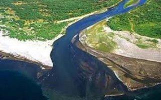 ترکیب دریای خزر و ارومیه بسیار خطرناک است