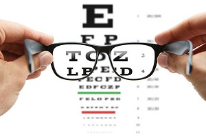 فعالیت غیرقانونی برخی عینک فروشیها