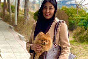 تبلیغ مریم معصومی برای کیف مخصوص حیوان خانگی اش! عکس