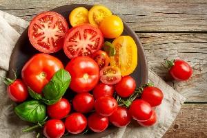 مصرف زیاد گوجه فرنگی چه عوارض و خطراتی دارد؟