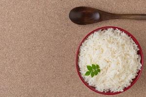 اهمیت خیساندن برنج قبل از پخت به این دلایل