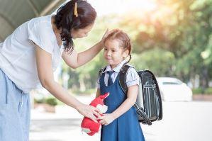 اضطراب جدایی از والدین در روز اول مدرسه، چگونه استرس جدایی را کاهش دهیم؟