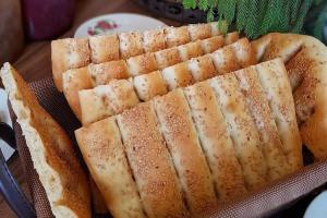 نان بربری خانگی، یک دستور بی نقص و عالی برای روزهای کرونایی