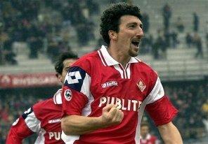 ستاره فوتبالی که روزی 25 نخ سیگار می کشید!!