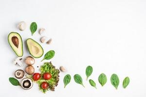 تغذیه سالم شامل این مواد غذایی است: از آب تا کاهو