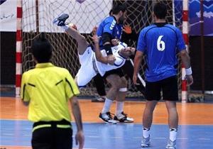پیروزی تیم هندبال نیروی زمینی مقابل سپاهان