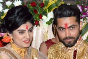 رسم هندی ها برای تحقیق از خانواده عروس و داماد