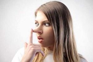 شخص دروغگو را با این 8 مورد شناسایی کنید