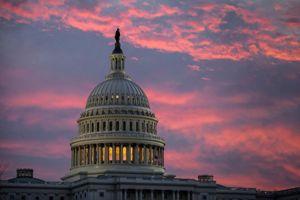 کنگره دولت ترامپ را از تعطیلی نجات داد