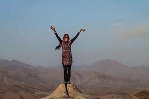 ماجرای عجیب سفر توریست زن خارجی به افغانستان! + عکس