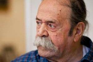 محمدعلی کشاورز نیمه هوشیار است! + شرایط آخرین وضعیت درمانی