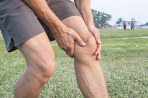 عوامل درد پشت مفصل زانو و درمان آن